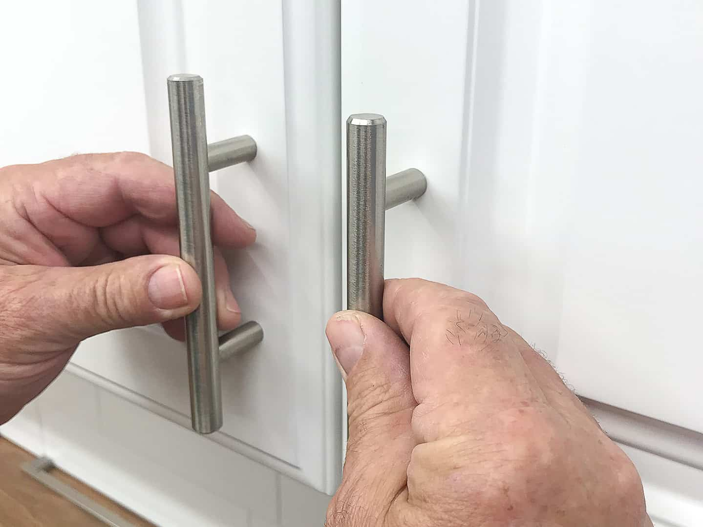 handle installation on cabinet door with TP-1934 Cabinet Hardware Jig (step 1)