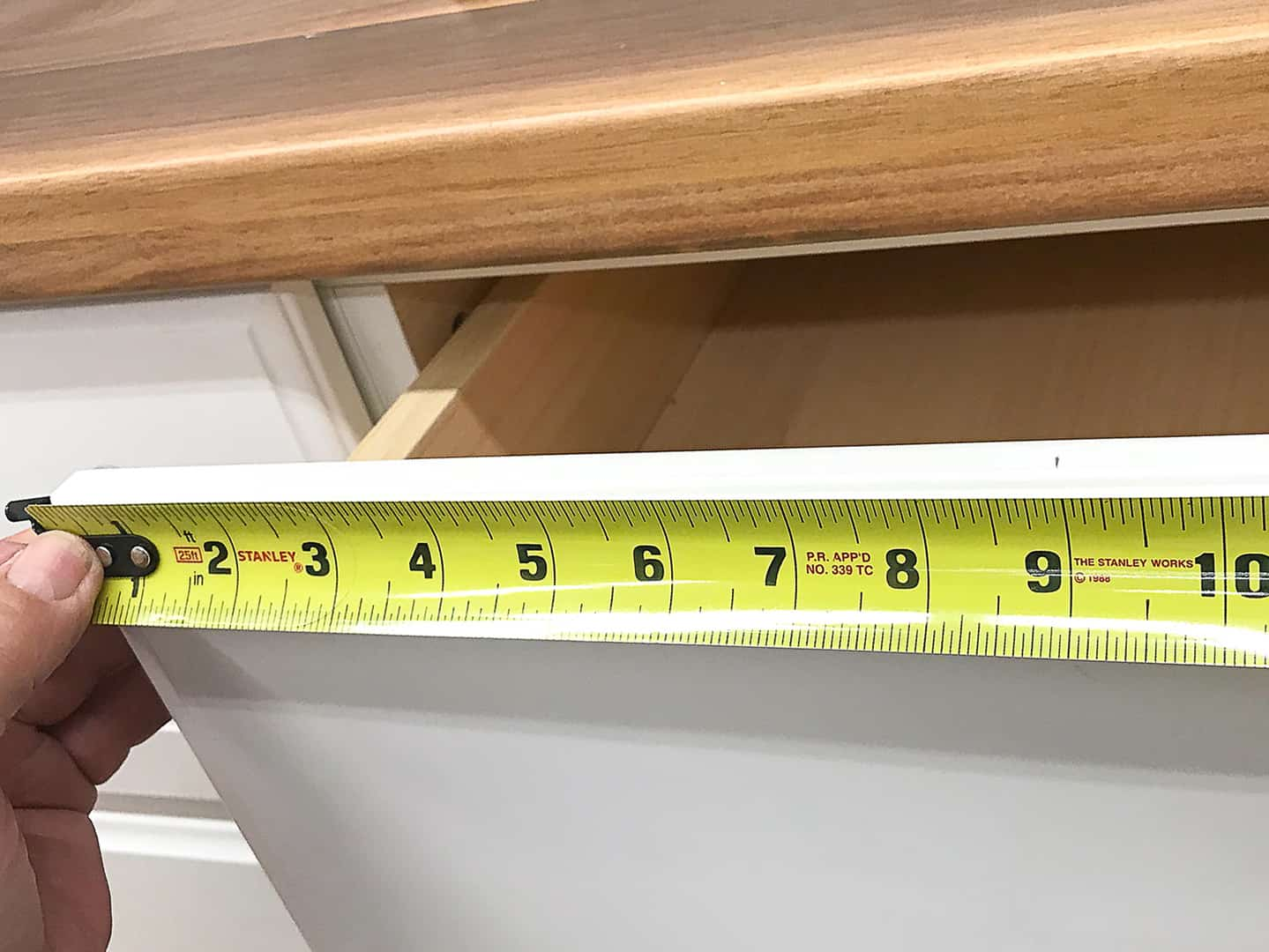 handle installation on cabinet drawer with TP-1934 Cabinet Hardware Jig (step 3)