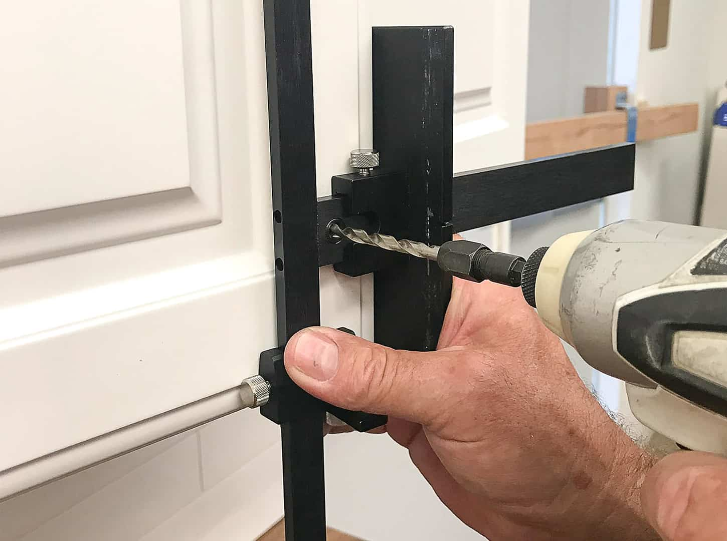knob installation on cabinet door with TP-1934 Cabinet Hardware Jig (step 7)