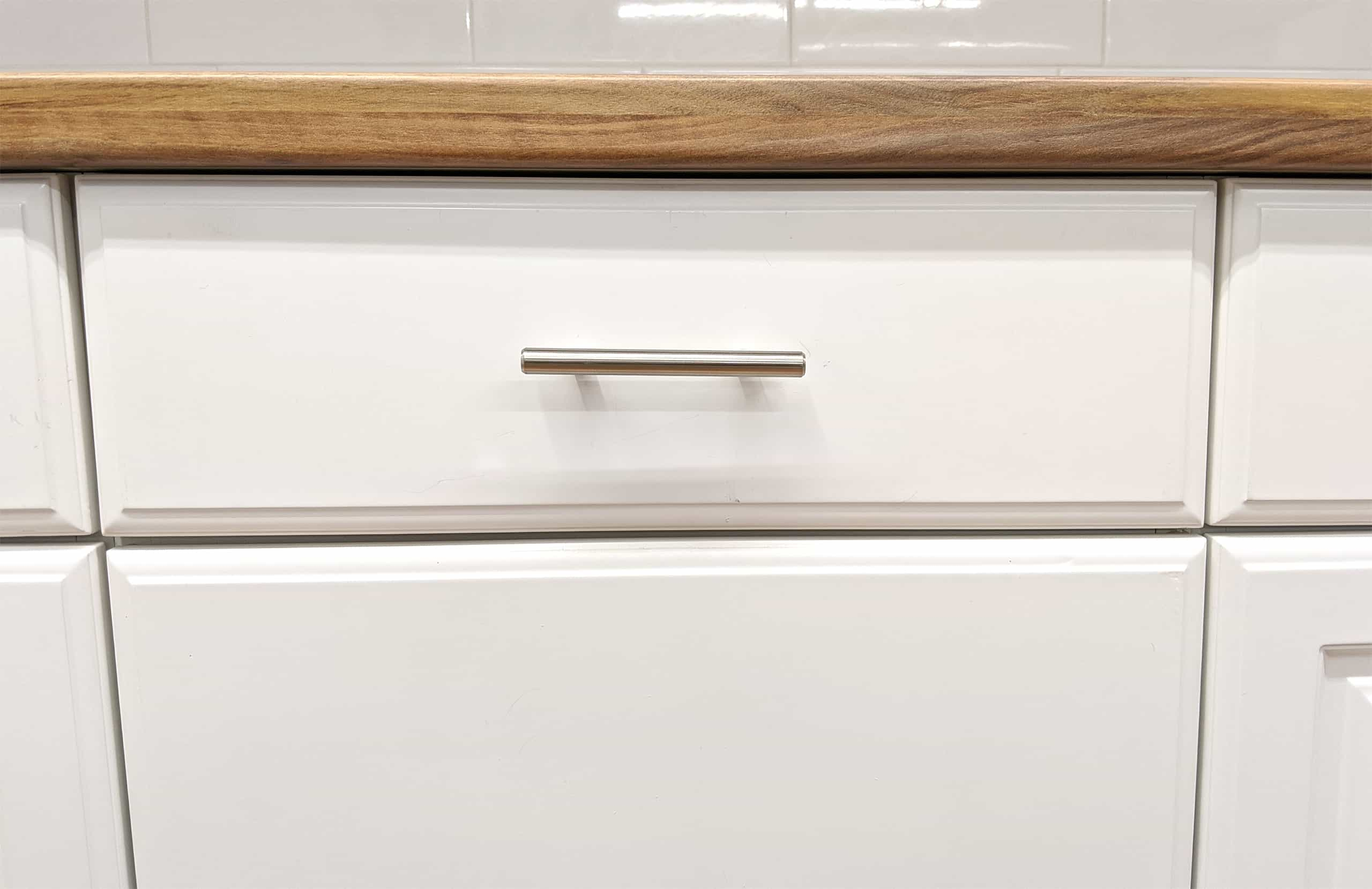 kitchen cabinet drawer front installed handle pull