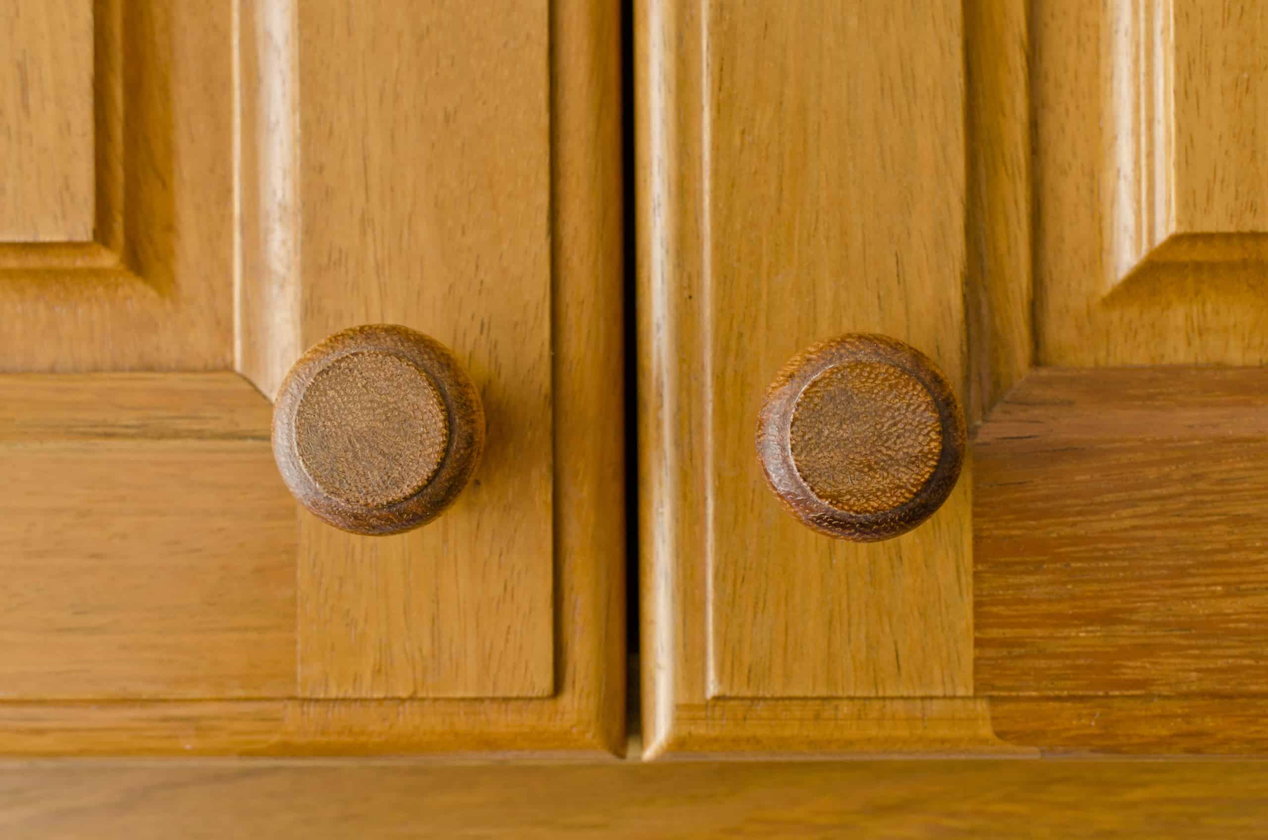 natural wood kitchen cabinet door wooden matched knobs